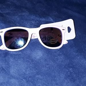 Pink sunglasses. NWT !  NEW LISTING!  CLAIRES.😊